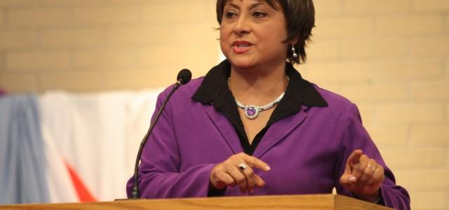 Speaker shares her breaking points