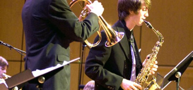 Seniors spring toward their final jazz concert