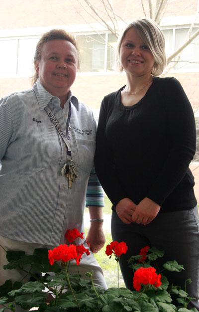Olga Panchelyuga and Olga Rabchuk pose for picture