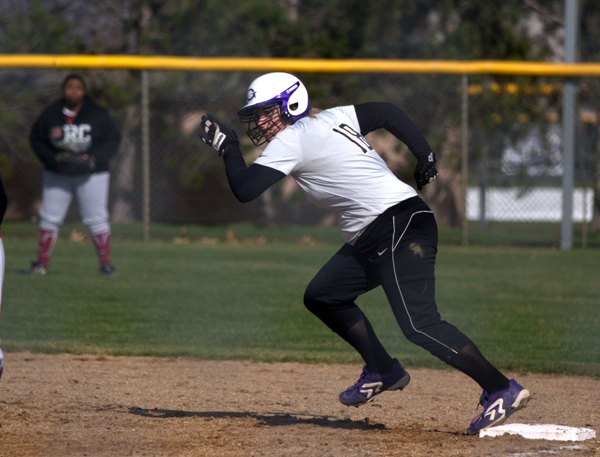 GC softball suffered tough losses saturday. Photo courtesy of Public Relations.