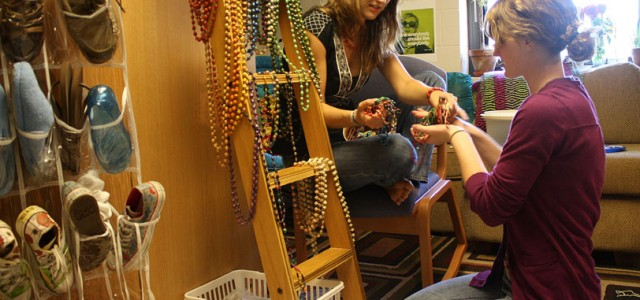 Beaded jewelry strings together hope for Ugandan women