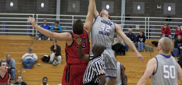 Men's basketball struggles to claim wins in Hoop Fest, on the road