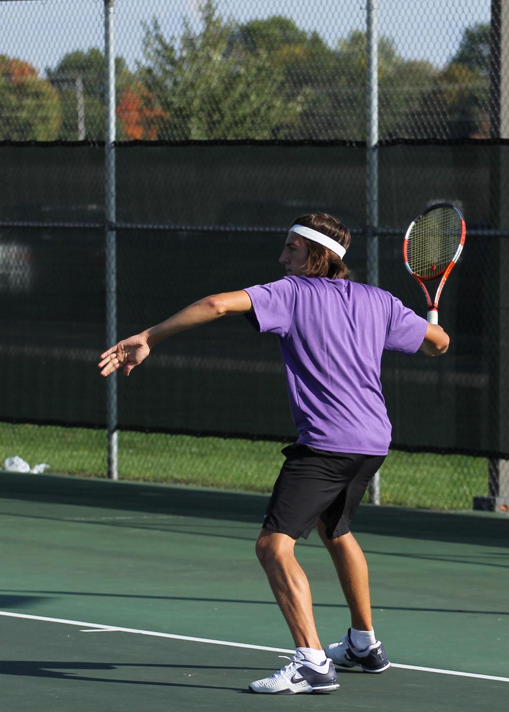 Daniel Buschert plays tennis