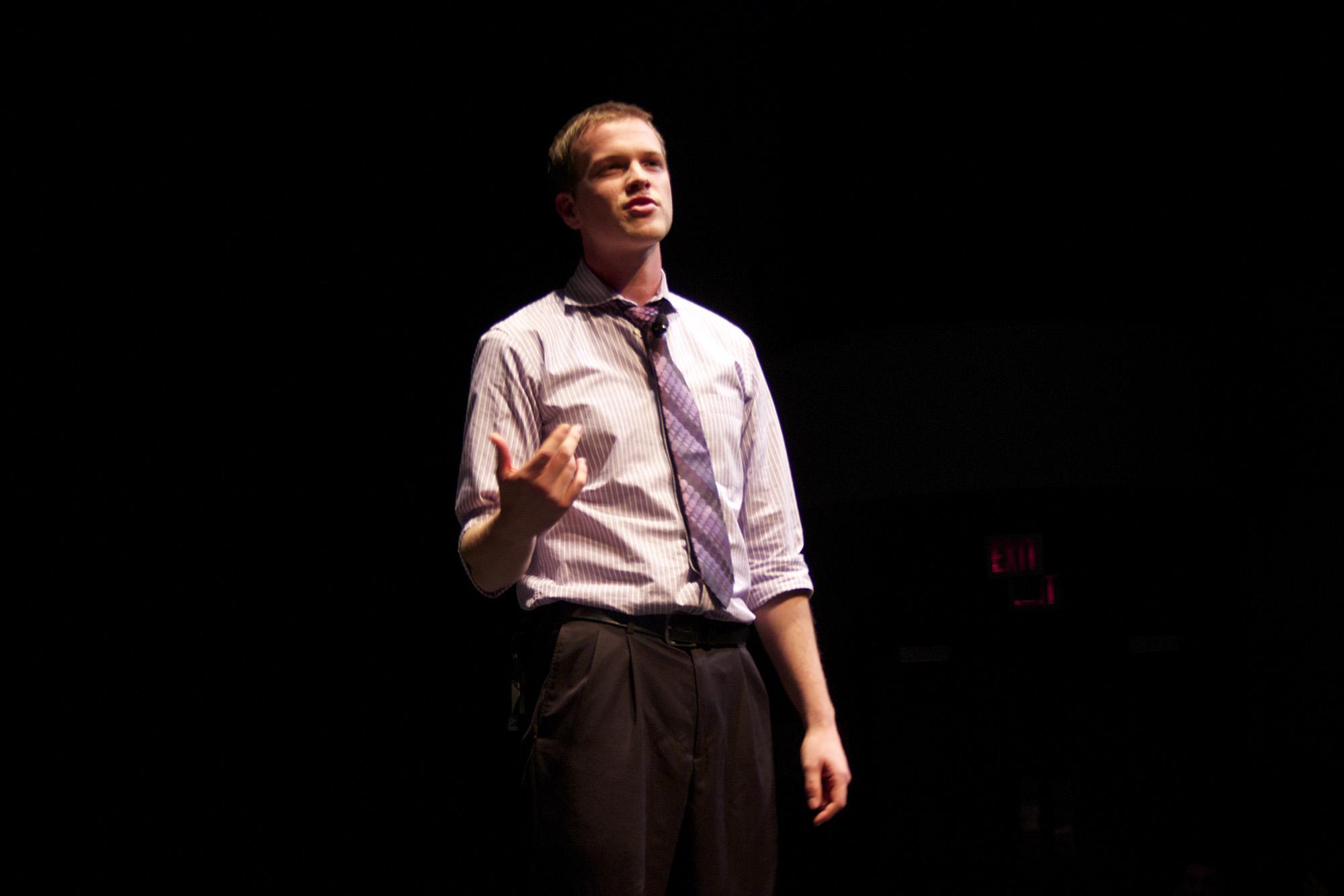 Martin Hofkamp speaks in Umble Center