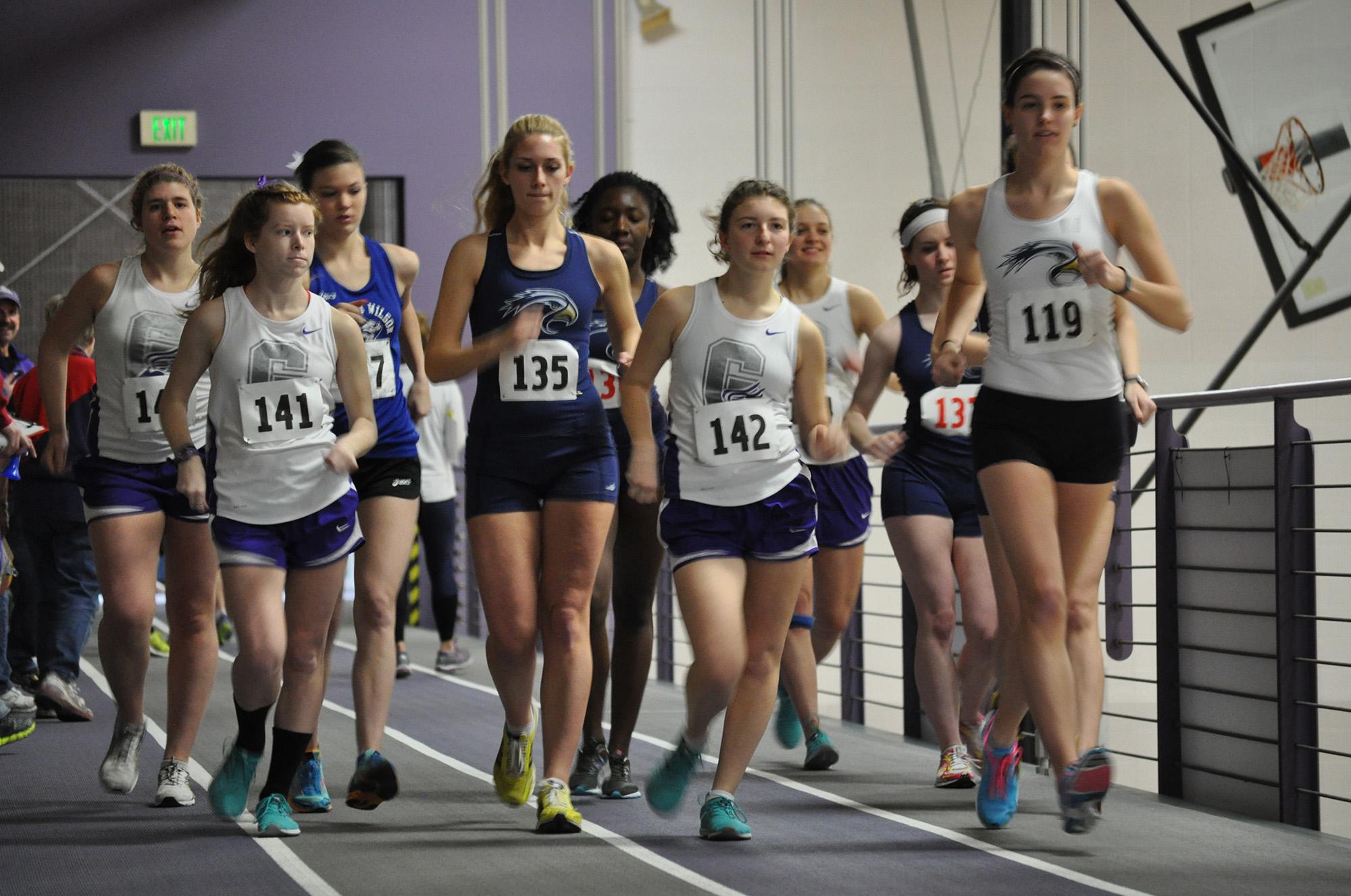 crowd of racewalkers