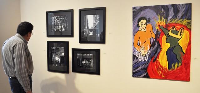 Seniors Hold Art Exhibit
