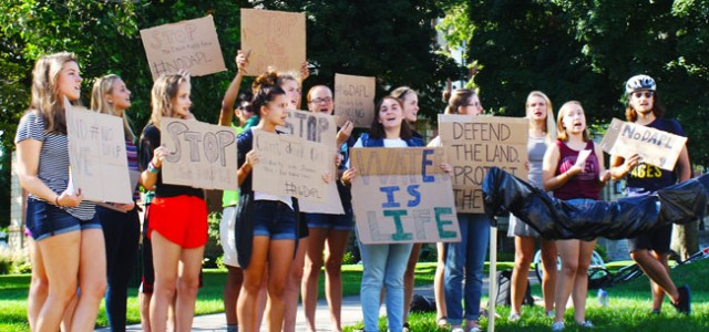 Students urge GC divestment from Chase