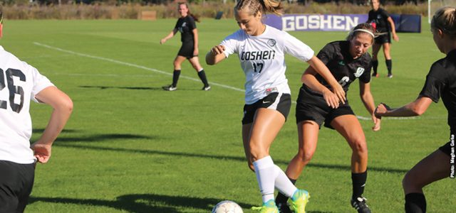 Men's and women's soccer post opposite results Sat.