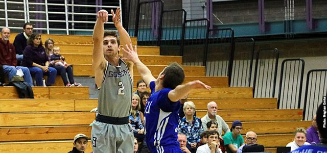 Men's basketball splits in weekend tournament