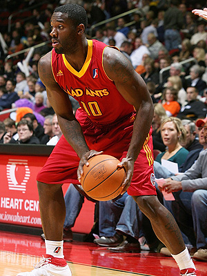 Rod Wilmont playing basketball