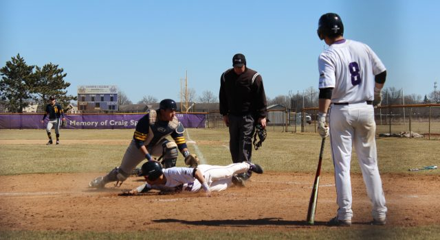 Baseball sweeps 20th-ranked Taylor University