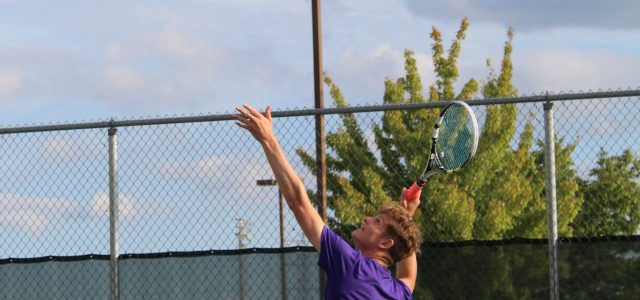 Men's tennis shine in conference match against Huntington