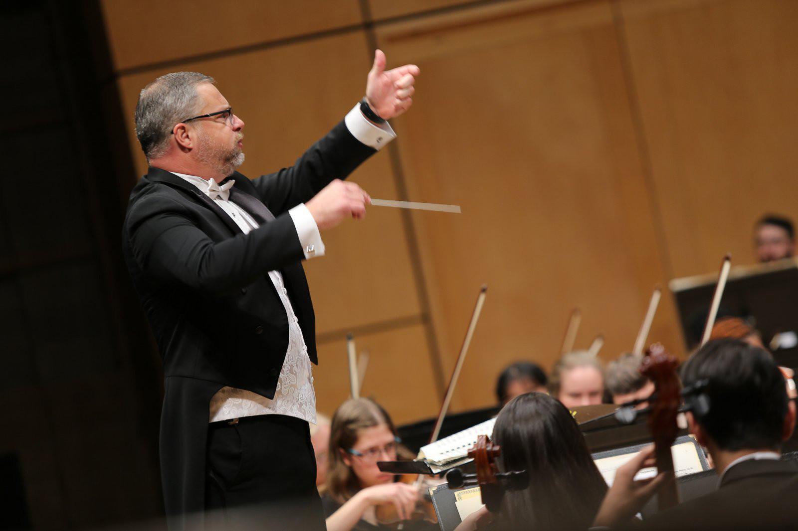 Brian Mast conducts the Goshen Symphony Orchestra