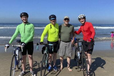 Eash Scotts with bikes